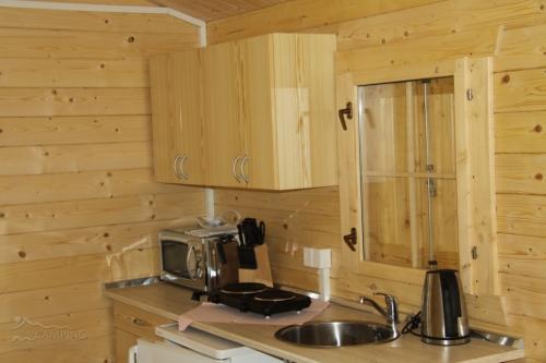 kuchynka-drevene-chatky